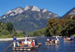 Rafting and kayaking on the Dunajec River